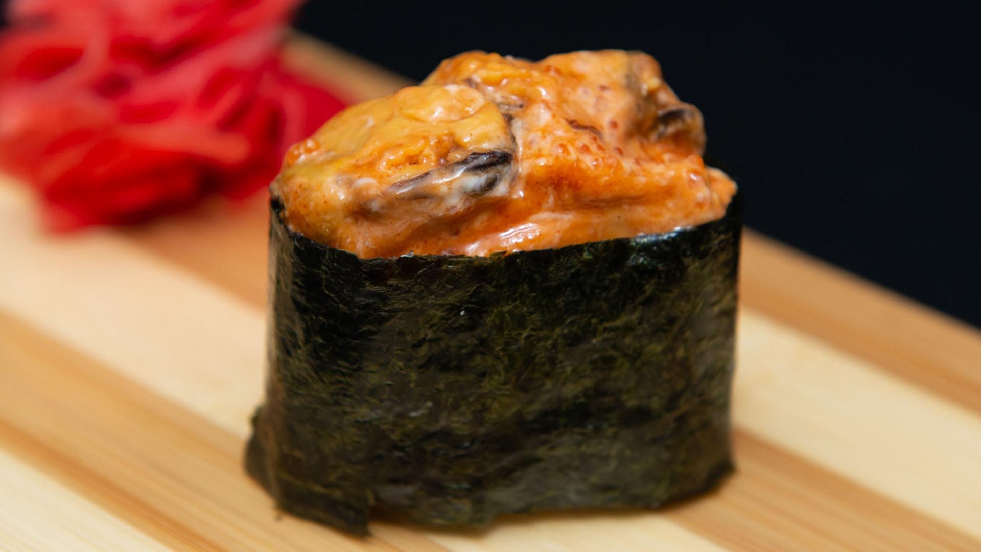 Спайс суши с мидиями