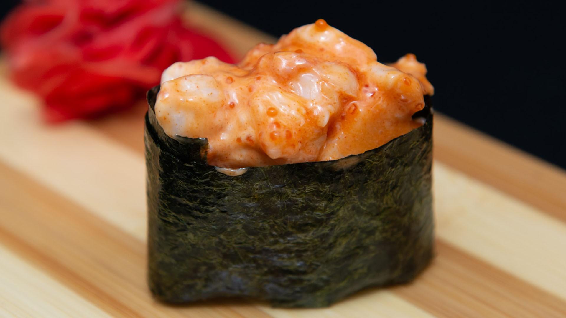 Спайс суши с креветками